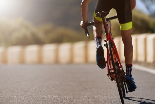 The muscular work involved in cycling is essential to maintain good health. Contact our physiotherapists for more advice.